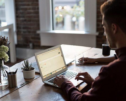 Jaki wpływ ma ergonomia biura na naszą pracę