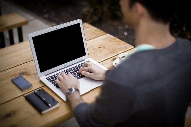 Technik informatyk - co powinieneś wiedzieć?