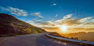 Jakie zalety mają wycieczki do Grecji?